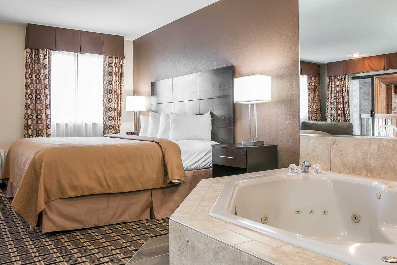 Quality Inn Byron Center - Skyscanner Hotels